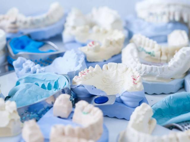Болят разные зубы. Почему болят все зубы сразу и что с этим делать